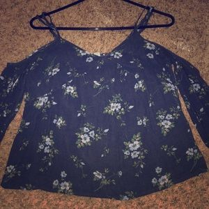 American eagle shoulder scooped top